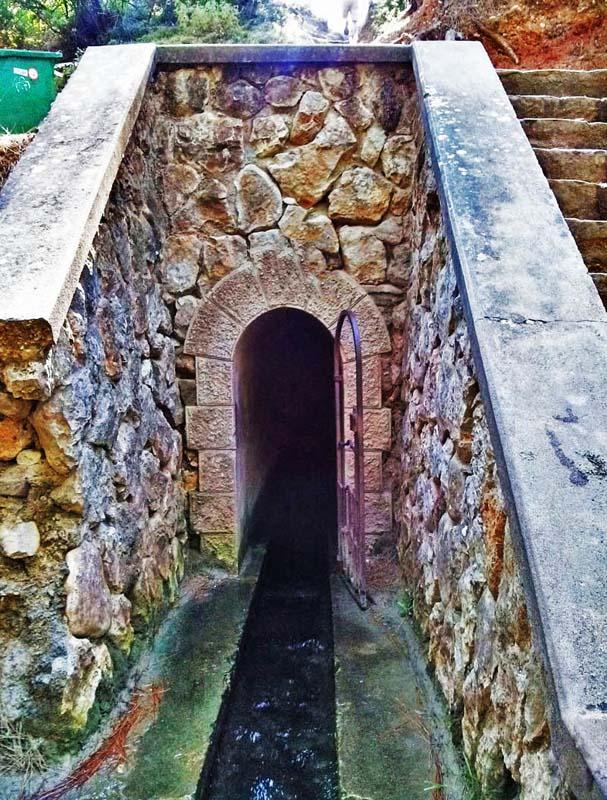 cosa vedere a rodi seven springs tunnell