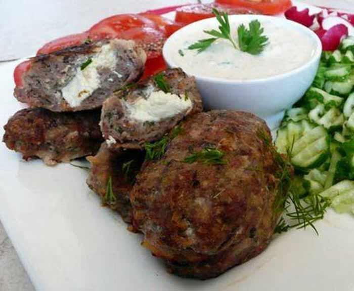 Cibo greco cosa si mangia in grecia bifteki