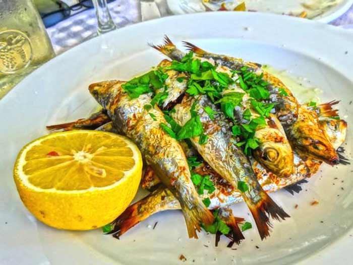 Cibo greco cosa si mangia in grecia triglia
