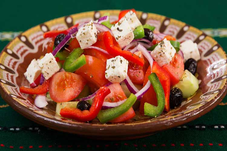 cosa mangiare in grecia insalata greca